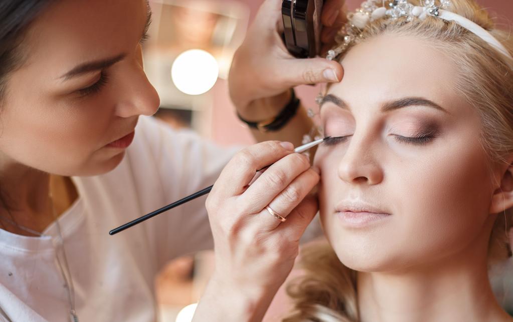 女孩子学化妆有前途吗?发展怎么样?